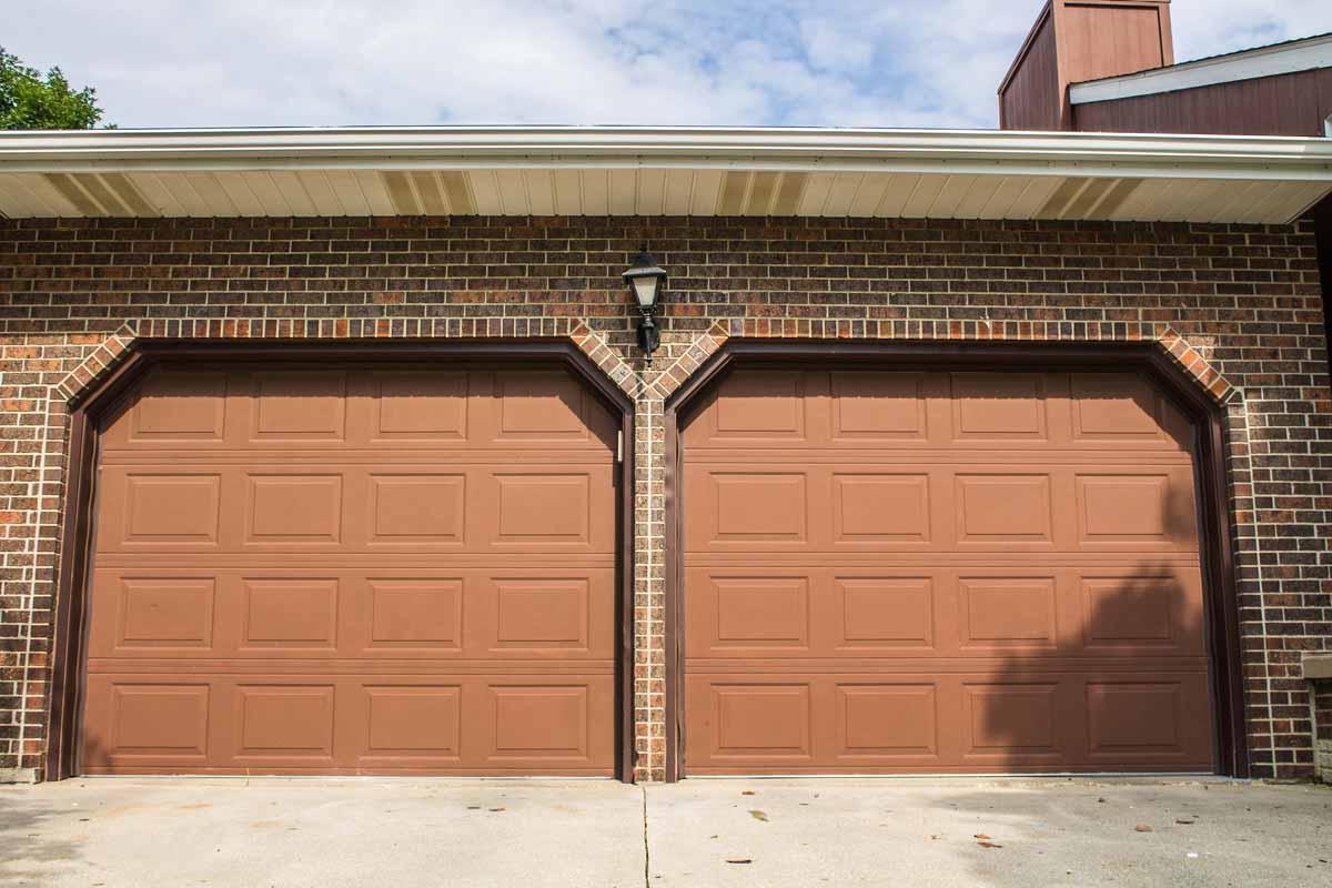 Industrial Garage Door · Custom Coloring